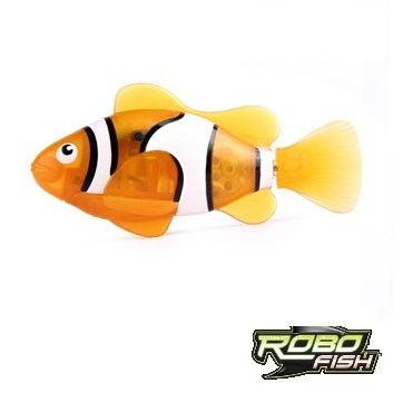 Orange clownfish robo fish by zuru for Zuru robo fish